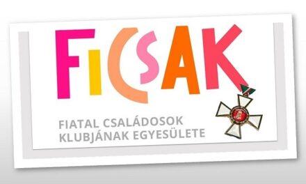 Király Nóra, Újbuda alpolgármestere, a FICSAK alapítója állami kitüntetésben részesült