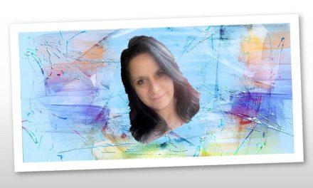Ezerszínű festőnő