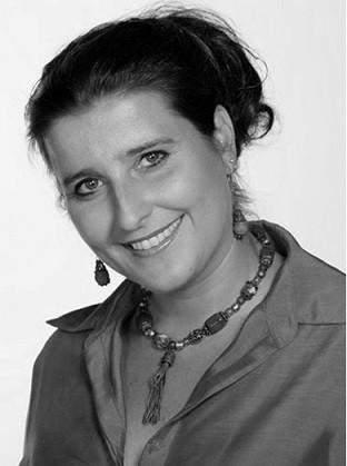 Kovács Yvette Alida  az Alkotónők magazinban